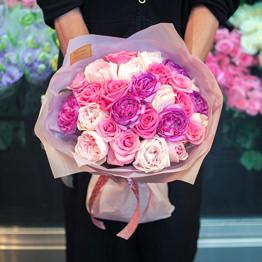 ピンクバラの花束 ブーケタイプ